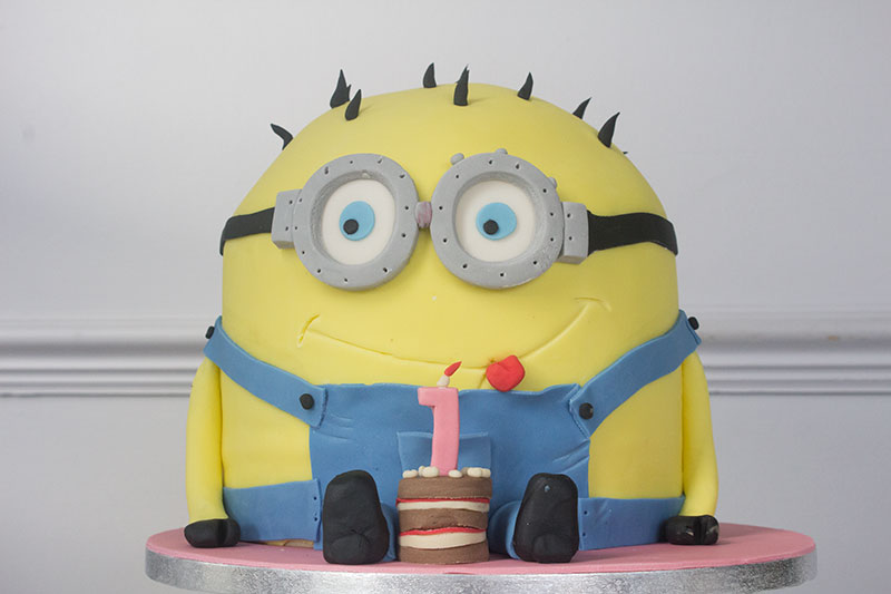 3D-Minion-First-Birthday-Cake.jpg