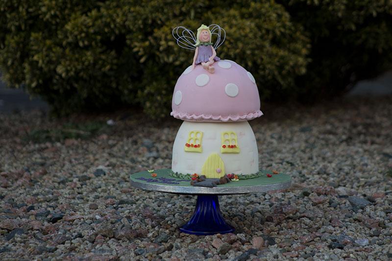 Fairy-House-Cake.jpg