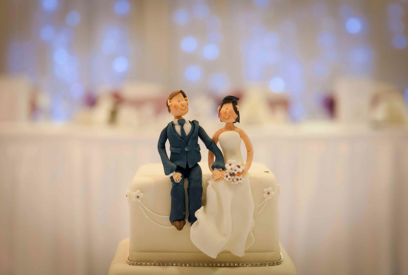 Novelty-Handmade-Bride-and-Groom-Wedding-Cake-Topper.jpg