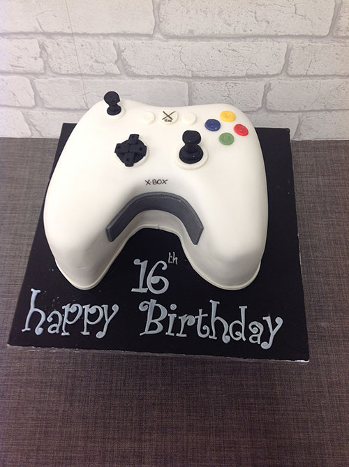 Xbox-Shaped-Controller-Birthday-Cake.jpg