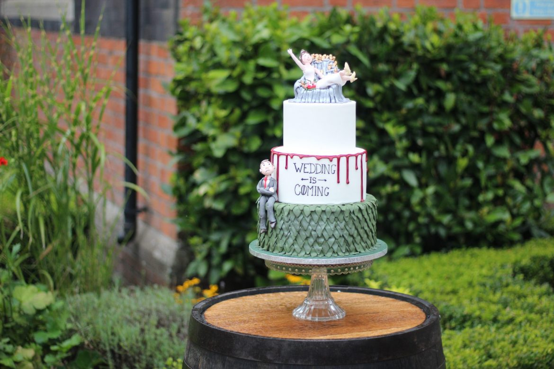 Game-Of-Thrones-Themed-Wedding-Cake-scaled.jpg
