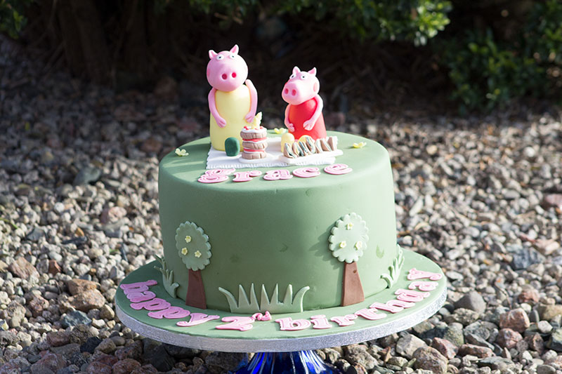 Sensational Peppa Pig Birthday Cake Bakery Funny Birthday Cards Online Inifodamsfinfo