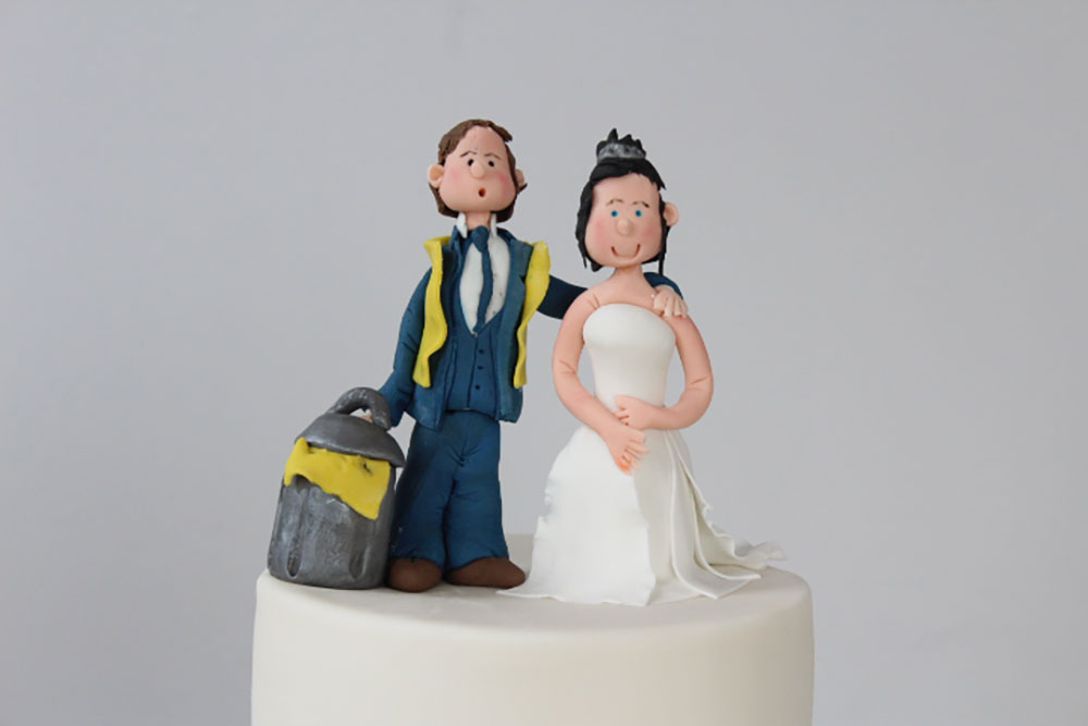 personalised wedding cake toppers northern ireland wedding cakes northern ireland by relax cakes belfast 18253